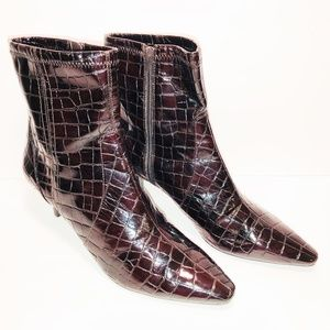 Bandolino 10 M Brown Croc Embossed Zip Ankle Boots